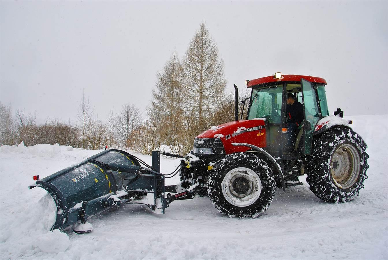 Cum sa pregatesti tractorul pentru iarna, in 10 pasi
